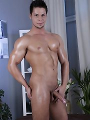The sight of the young twink bouncing up and down on Guardi's raw cock is almost certain to get you bubbling on the brink